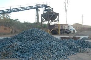 A mineração é um exemplo de indústria de base.