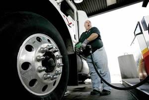 O óleo diesel abastece máquinas de grande porte.