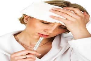 A gripe geralmente apresenta quadro febril e dor de cabeça.