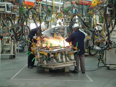 Indústria de automóveis na Índia. País é um dos principais subdesenvolvidos industrializados