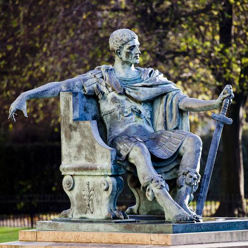 Constantino I foi o fundador do Império Bizantino