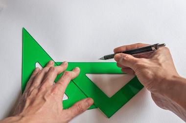 O triângulo equilátero possui três lados congruentes