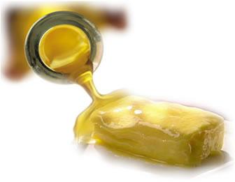 A hidrogenação é uma reação de adição a alcenos que transforma óleos vegetais em gorduras semissólidas como a margarina