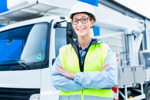 Atualmente é cada vez mais comum o ingresso da mulher no mercado de trabalho, inclusive em áreas consideradas estritamente masculinas
