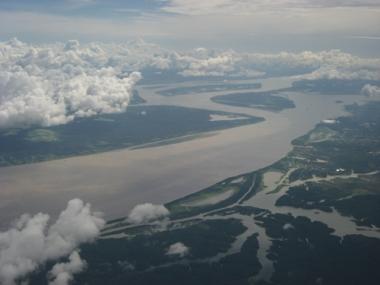 Vista aérea da Amazônia. A umidade produzida na floresta é muito importante para o clima no Brasil