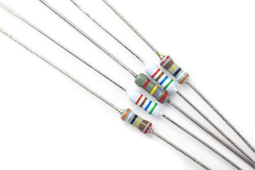 O código de cores permite fazer a leitura da resistência de um resistor