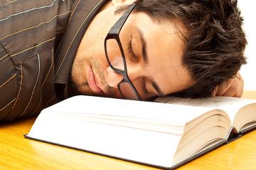 Detalhes como a iluminação podem causar sonolência durante a leitura
