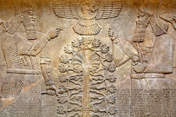 Árvore da vida. Arte em relevo dos assírios, um dos povos da Mesopotâmia