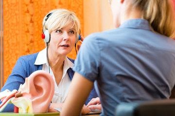 A audição é um dos cinco sentidos humanos e permite a captação do som