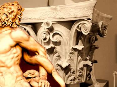 A arquitetura e a escultura grega assumiram diferentes traços ao longo de sua história.