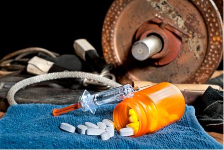 Os esteroides anabolizantes são procurados principalmente em academias