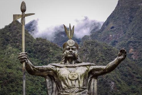 Estátua do lendário Pachacuti, primeiro imperador inca