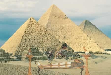 As pirâmides eram enormes túmulos que ostentavam o poder dos Faraós