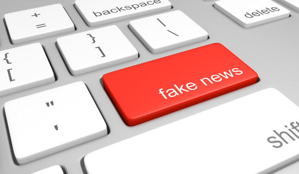 Notícias falsas são compartilhadas, principalmente, em redes sociais.*