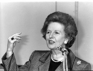 Margaret Thatcher, primeira-ministra britânica entre 1979 e 1990, também conhecida como a Dama de Ferro.*