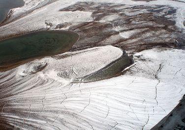 Imagem de um solo do tipo permafrost na Região do Ártico. *