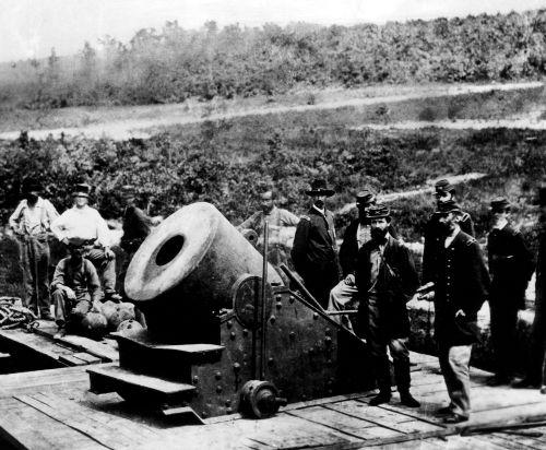 """Canhão """"dictator"""" (ditador), utilizado pelas tropas da União durante o Cerco a Petersburg, entre 1964 e 1865"""