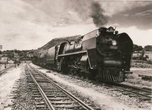 Uma das primeiras locomotivas.