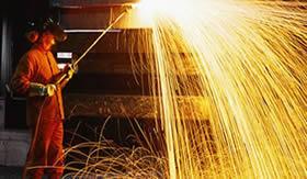 Produção de ferro gusa.