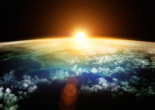 A cada segundo, o Sol emite bilhões de neutrinos que atingem toda a superfície da Terra
