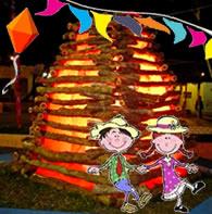 Balões, bandeirolas, fogueira e quadrilha são símbolos juninos
