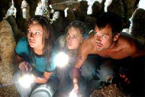 """Cena do filme """"Turistas"""", no qual o tema é abordado."""