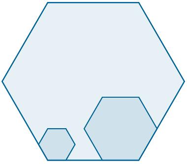 Os polígonos regulares, como são hexágonos, possuem a mesma razão de semelhança.