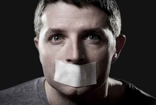 03 de agosto – Fim da censura no Brasil