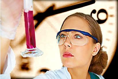 Calcular a velocidade instantânea e a velocidade média de reações químicas é importante principalmente nas indústrias químicas