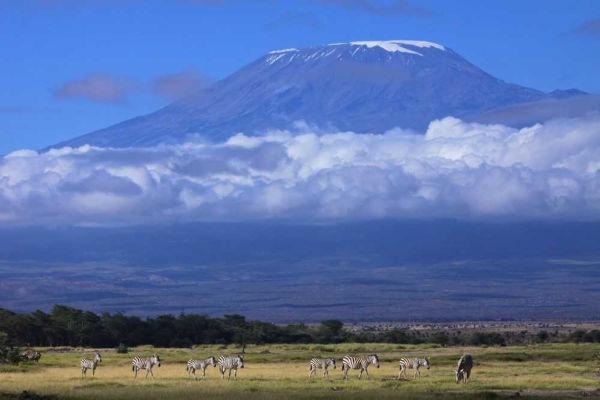 Monte Kilimanjaro, maior montanha da África, na Tanzânia.
