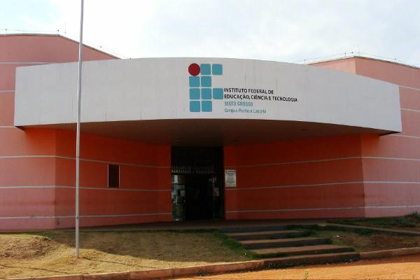 Fachada do campus do IFMT em Pontes e Lacerda