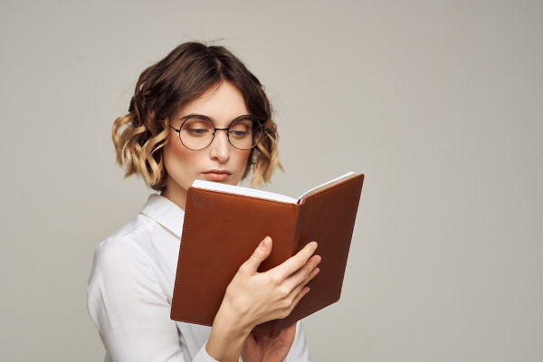 O curso de Letras exige que o estudante leia bastante