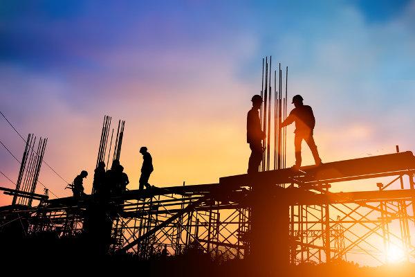 O canteiro de obras é o principal ambiente de trabalho de um tecnólogo em Construção Civil