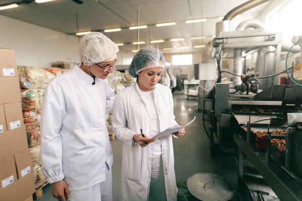O tecnólogo em Alimentos pode ser o responsável por cuidar do controle de qualidade