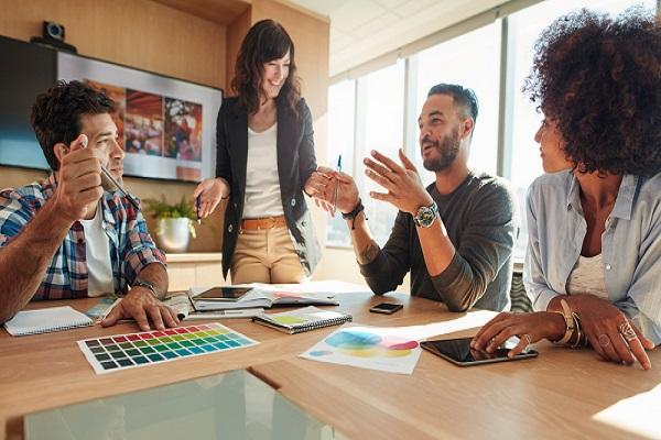 Publicitários precisam gostar de trabalhar em grupo