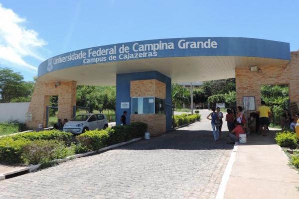 A UFCG possui campi nos municípios de Campina Grande, Cuité, Patos, Sumé, Cajazeiras, Pombal e Sousa