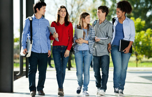 amigos no campus