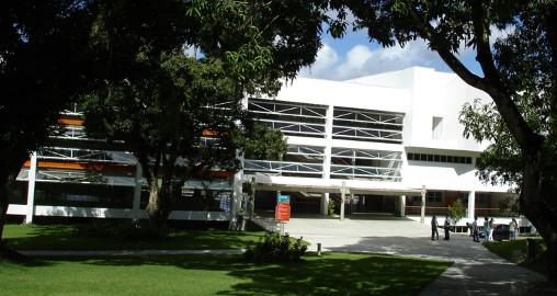 A Bahiana foi a segunda instituição de ensino do estado a oferecer a graduação em Medicina