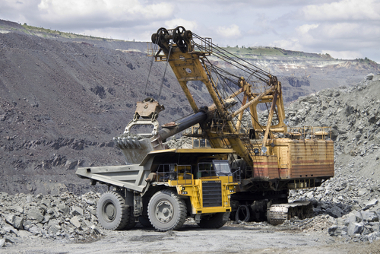 A mineração é um exemplo da interação entre natureza e sociedade