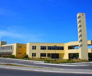 A UECE possui uma organização multicampi, formada por sete campi