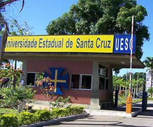 A UESC está situada entre Ilhéus e Itabuna, a quase 500 quilômetros de Salvador