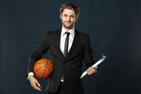 Além da preparação física, o Cientista do Esporte pode se envolver na organização e marketing de grandes eventos.