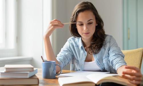 Alguns candidatos ao vestibular optam por estudar sozinhos