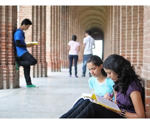 Antes de decidir entre cursinho ou faculdade particular, estudante deve avaliar seus objetivos pessoais e profissionais