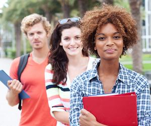 Através do desempenho do estudante no Enem, Prouni concede bolsas de estudo integrais e parciais em universidades privadas