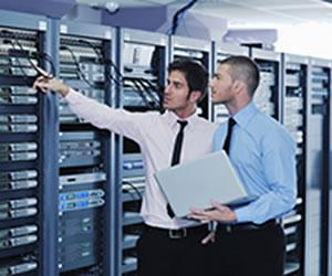 Gostar de informática e ter bom raciocínio lógico são características importantes no profissional de TI