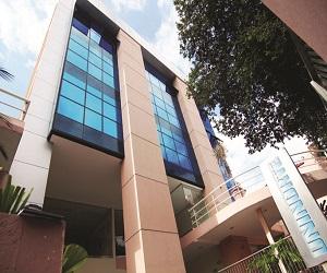Imagem da fachada de uma das unidades da UniNorte em Manaus
