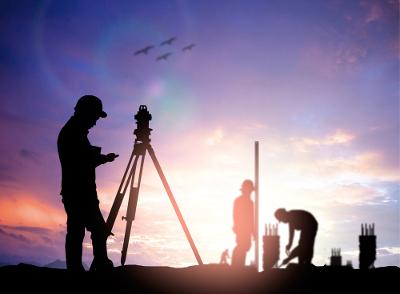 O Engenheiro Agrimensor é o responsável, entre outras coisas, por estudar terrenos para obras