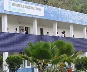 O IF Baiano não realiza vestibular tradicional para o ingresso nos cursos de graduação