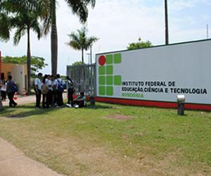 O IFRO é resultante da ligação da Escola Técnica Federal de Rondônia e da Escola Agrotécnica Federal de Colorado do Oeste